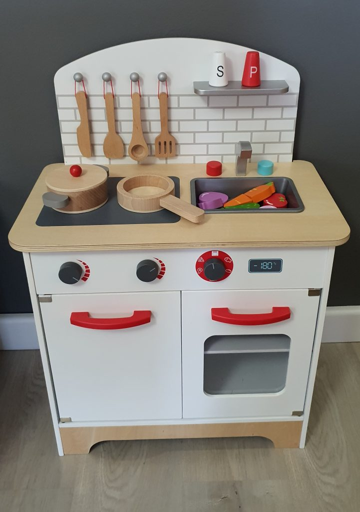 Wooden Kitchen Review